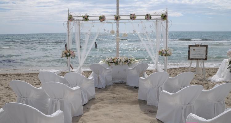Matrimonio Spiaggia Gallipoli : Zeus beach matrimonio party style