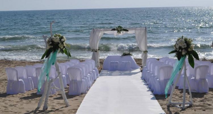 Matrimonio Spiaggia Sabaudia : Hotel le dune matrimonio party style